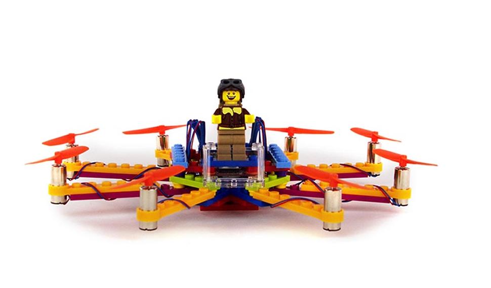 Droni e LEGO per l'ottocottero della FLYBRIX