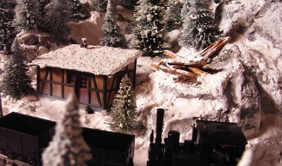 Per la gioia dei più piccoli, la fabbrica degli elfi e Babbo Natale a Model Expo Italy