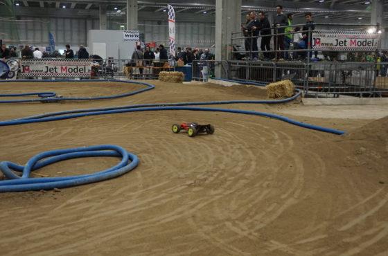 Una pista per gli aspiranti piloti a Model Expo Italy – Gara Monster