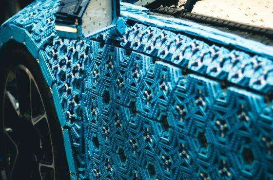 La supercar Bugatti Chiron scala 1:1 con i LEGO®️? Ecco come!